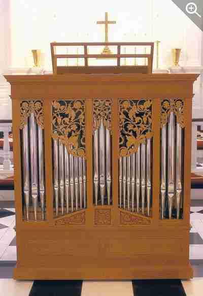 400_magxSt-Peter-St-Louis-Chamber-Organ